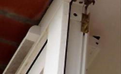 Nawiewniki okienne - jak wspierają wymianę powietrza w domu?