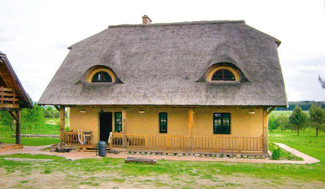 Dom z glinianych bloczków