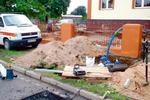 Jak doprowadzić wodę do domu? Budowa przyłącza wodociągowego krok po kroku