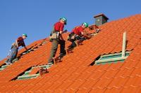 Budowa dachu - jak wybrać odpowiedniego dekarza?