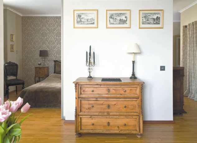 Pokój z sypialnią