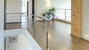 Podłoga pływająca. Jak wykonać podkład i ułożyć deski, panele i inne materiały