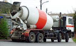 Betonowanie. Układanie mieszanki betonowej zgodnie z zasadami
