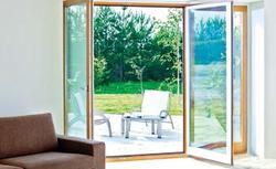 Duże przeszklenia w budynku. Jak wybrać okna tarasowe?