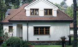 Elewacja domu – czyszczenie i malowanie. Poradnik