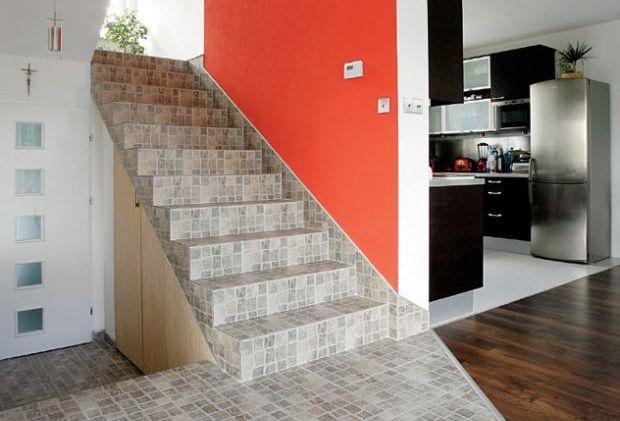 Wykończenie schodów żelbetowych z drewna, kamienia czy ceramiki?