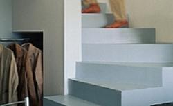 Rodzaje schodów w domu - to warto wiedzieć o schodach wewnętrznych na etapie stanu surowego