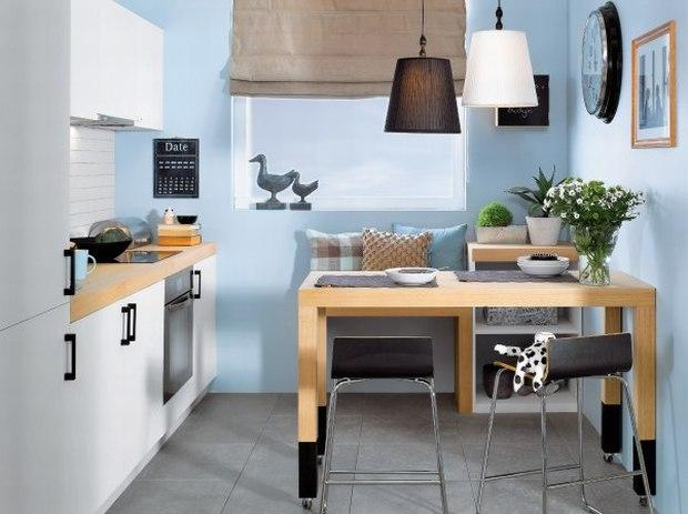 Kuchnia i jadalnia w kolorze niebieskim