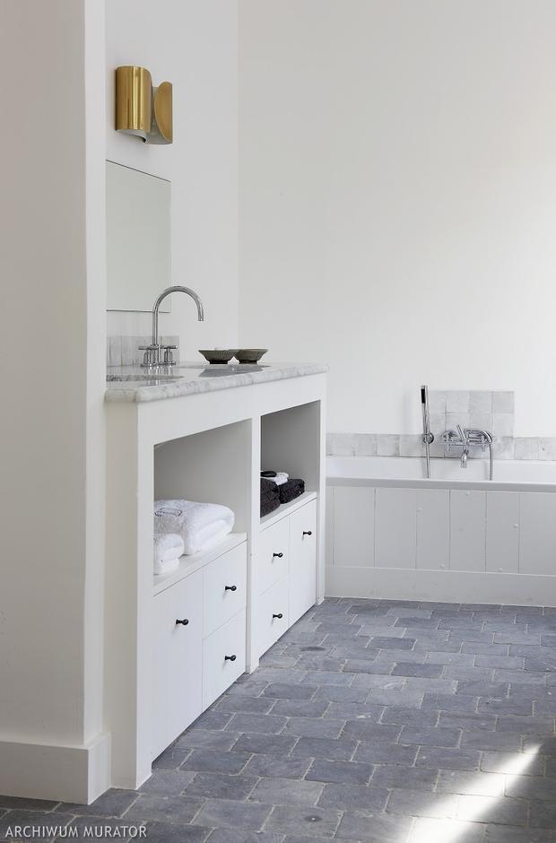 Pomysł na nowoczesną białą łazienkę. Zobacz 12 aranżacji białych łazienek - Łazienka - Muratordom.pl